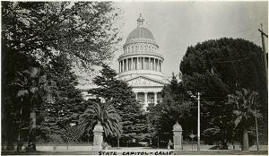 96-07-08-alb09-008, California's State Capitol Building, Sacramento, c. 1920