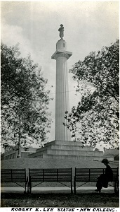 96-07-08-alb09-214, The Robert E. Lee Memorial in New Orleans, c. 1925.  Dedicated in 1884, the monument commemorated the memory of Confederate General Robert E. Lee, until its removal in 2017