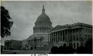 96-07-08-alb09-221, View of the domed U.S. Capitol, housing both the Senate and House of Representatives, c. 1925